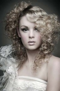 curly prom-hairstyles-2012