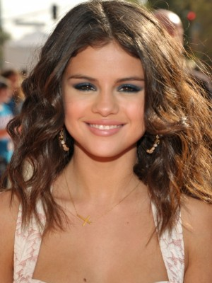 chic curly hairstyle 2012