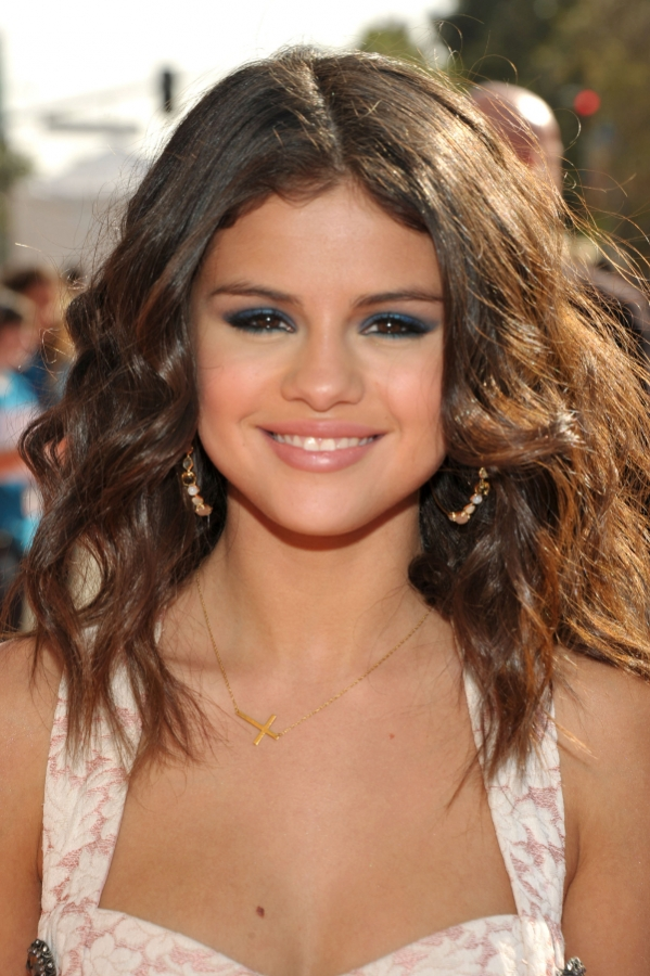 Celebrity Hairstyles From 2012 Nickelodeon Kids Choice Awards