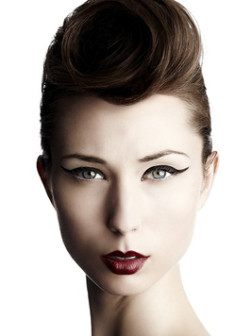 elegant_Updos_for_Short_Hair