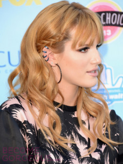 bella-thorne-side-braid-with-curls