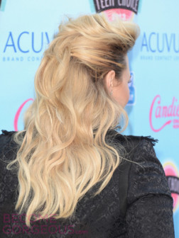 demi-lovato-bump-hairstyle-back-view