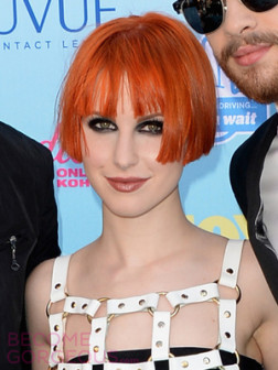 hayley-williams-new-short-bob-haircut