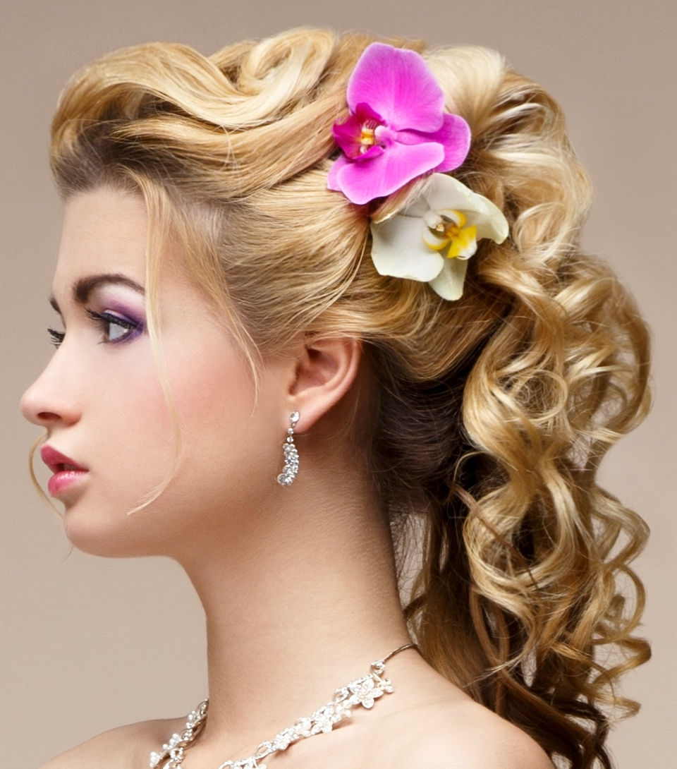 Stupendous Pretty Curly Updo Hairstyles For 2016 2017 Haircuts Hairstyles Short Hairstyles For Black Women Fulllsitofus