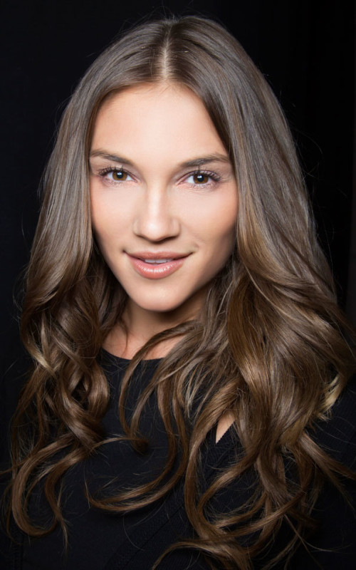 loose wave hairstyle 2016
