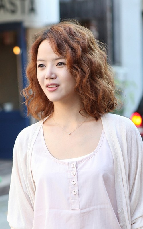 short curly hairstyle 2016