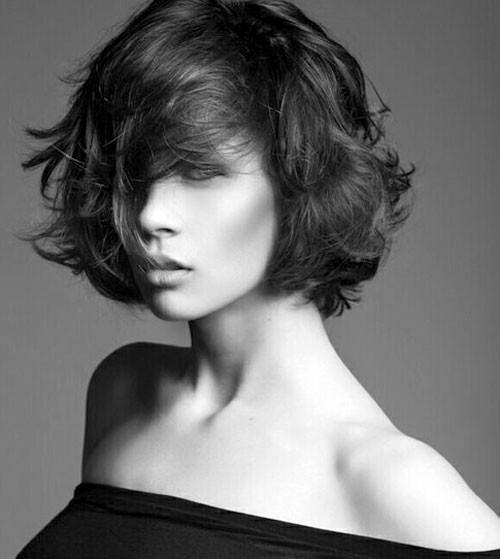 short wavy messy hairstyle 2016