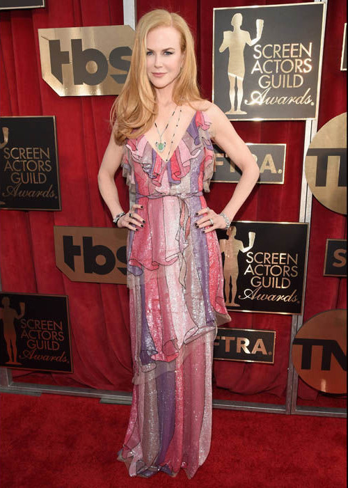 2016 Screen Actors Guild Awards Nicole Kidman long wavy hair