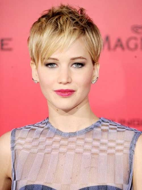Jennifer Lawrence layered pixie in ombre 2016