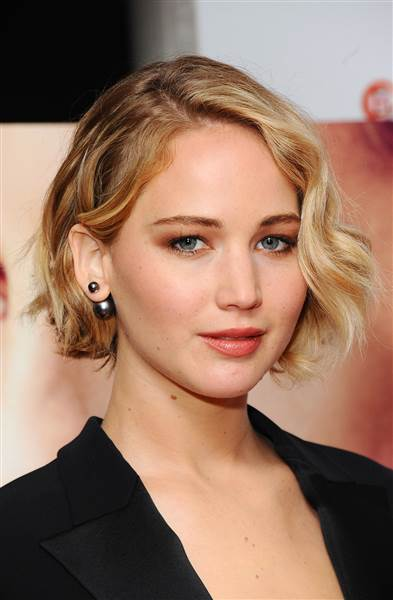 Jennifer Lawrence short side parted bob 2016