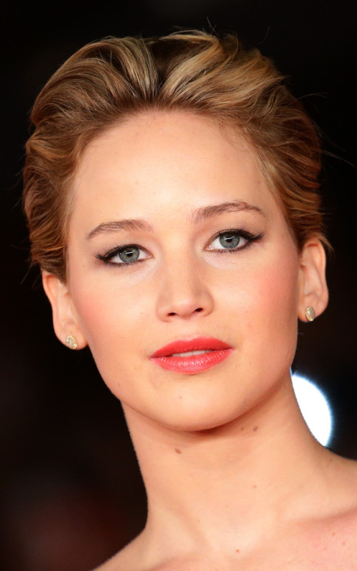 Jennifer Lawrence slicked back pixie hair 2016