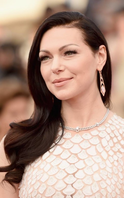Laura Prepon long wavy hairstyle 2016