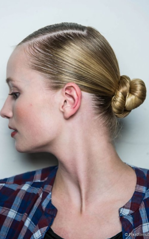 low sleek knot hairstyle 2016