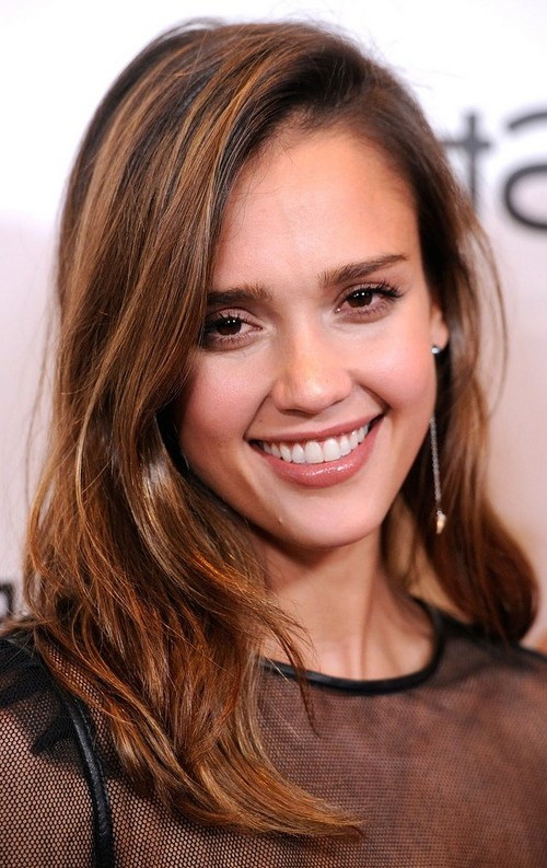 side parted layered hairstyle 2016