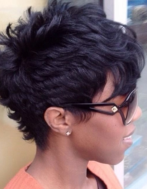 Layered shsort hairstyle for Afro american women 2016