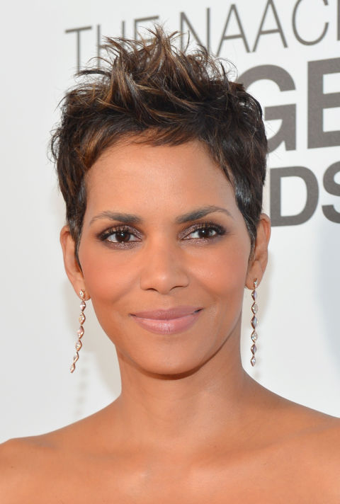 Halle Berry Highlighted Pixie Haircut