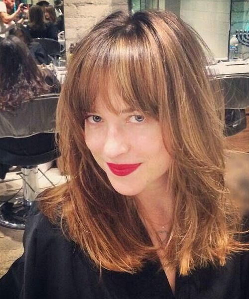 Dakota Johnson Honey Blonde Highlights