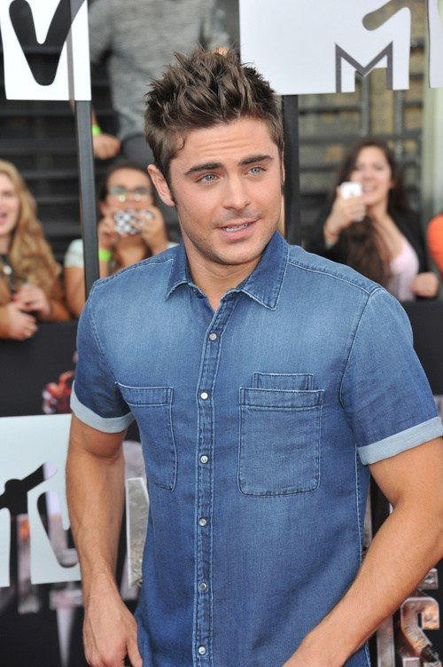 Zac Efron Hairstyle Ideas 2019 Haircuts Hairstyles And Hair Colors