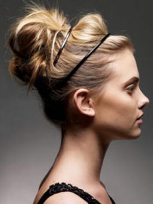 messy bun hairstyle 2014