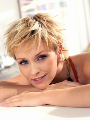 hot short hairstyle for fine hair