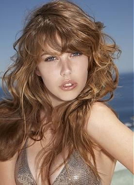 beach wavy hairstyle