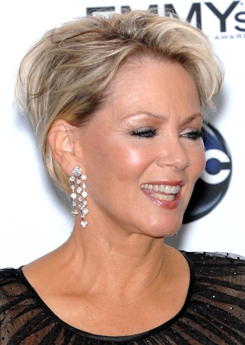 layered short hairstyle for mature women