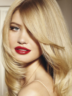 alayage-blonde-hair-color
