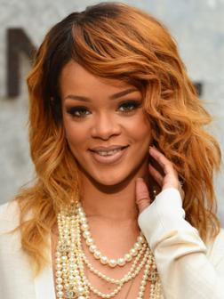 Rihanna_wavy_long_hairstyle