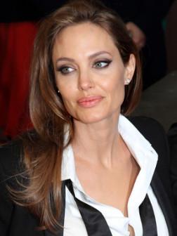 Angelina_Jolie_BAFTA_2014_Hairstyle
