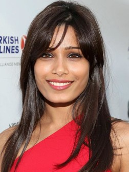 straight_medium_length_hairstyles_with_bangs