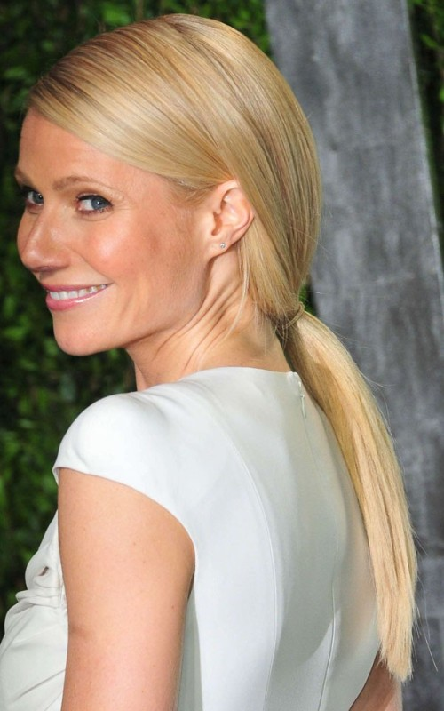 casual loose ponytail hairstyle 2022