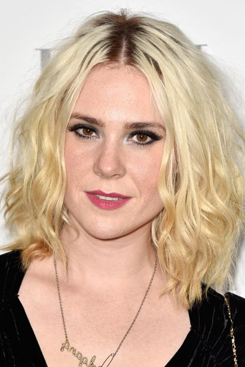 center parted hairstyle with dark roots 2016