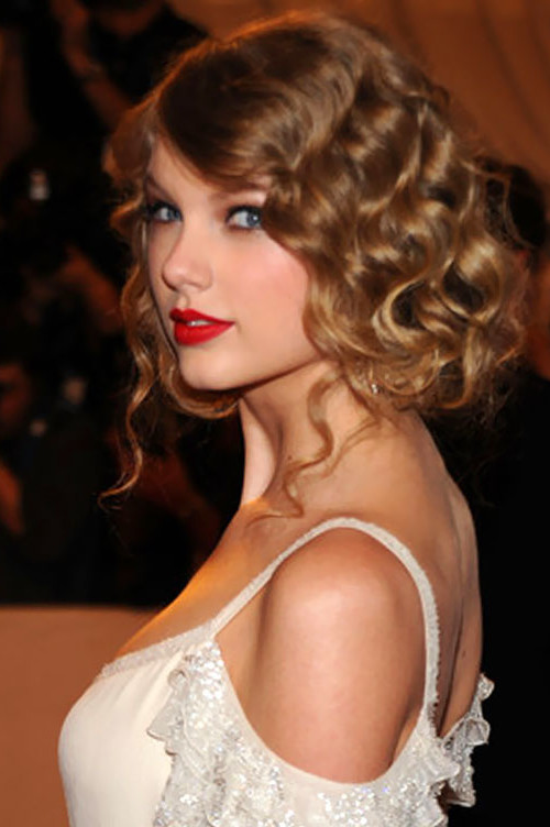 curly faux bob hairstyle 2022