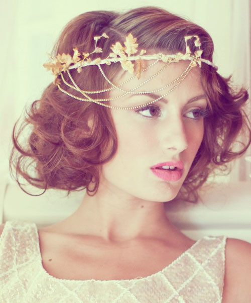 curly hairstyle for short hair 2022