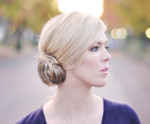 elegant low side bun hairstyle 2022