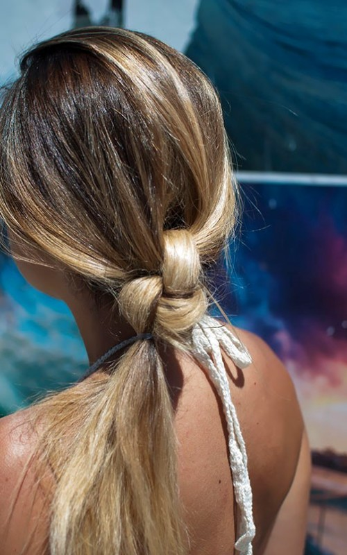 knotted ponytail hairstyle 2022