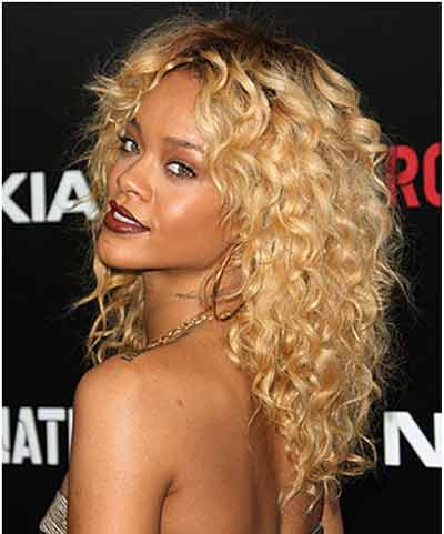 layered curly hairstyle 2022
