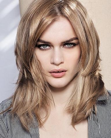 medium layered haircut 2022