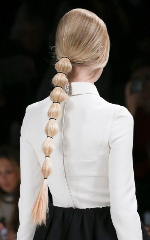 segmented ponytail hairstyle 2022