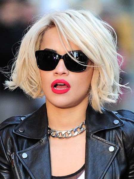 short blonde bob haircut 2022