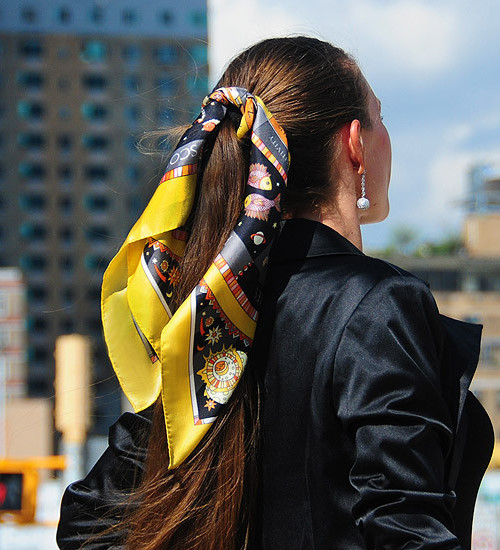 scarf ponytail hairstyle 2022