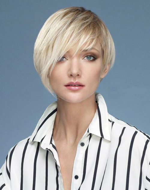 short asymmetrical fine hair 2022