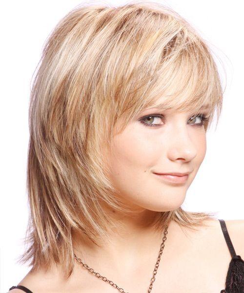 medium straight layered hairstyle 2022