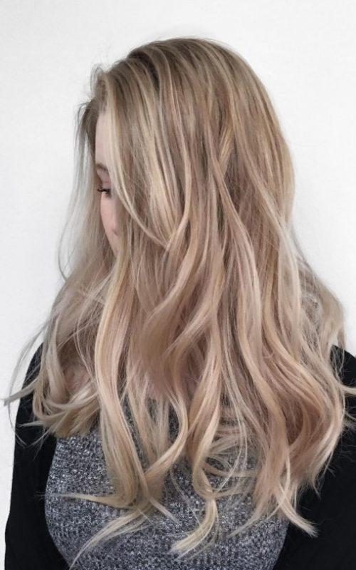 Elegant Wavy Hair