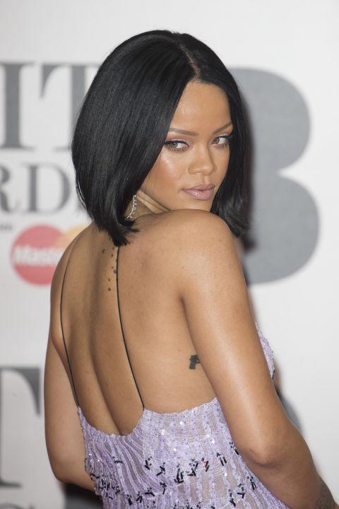 Rihanna Center Parted Lob